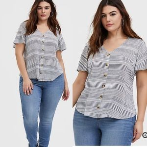 Torrid 1x WHITE & NAVY STRIPE GAUZE BUTTON TOP
